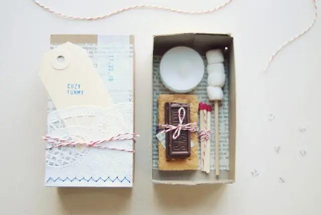 Budget Related Wedding Souvenir Ideas Inexpensive Chocolates Plastic Bag Flowers Design Plates Wonderful Gifts