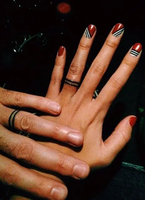 Simple and stylish wedding ring tattoos made of just two lines on your finger