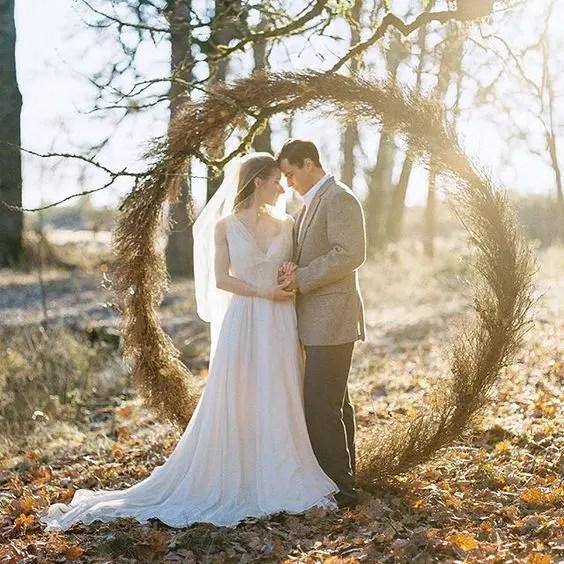dry herb wreath to embrace the wedding season