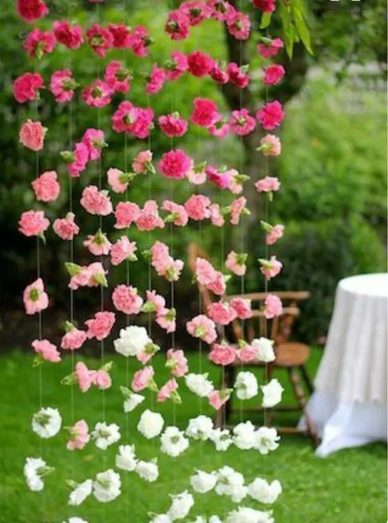 an ombre floral wall can be a gorgeous garden bridal shower decoration and can be easily DIYed