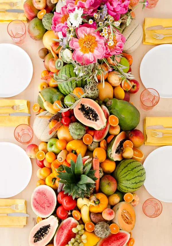 DIY lush fruit and vegetable wedding table runner (via www.papernstitchblog.com)