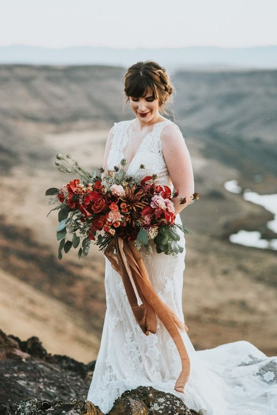 a textural and bright wedding bouquet can show off your personality and what you really like