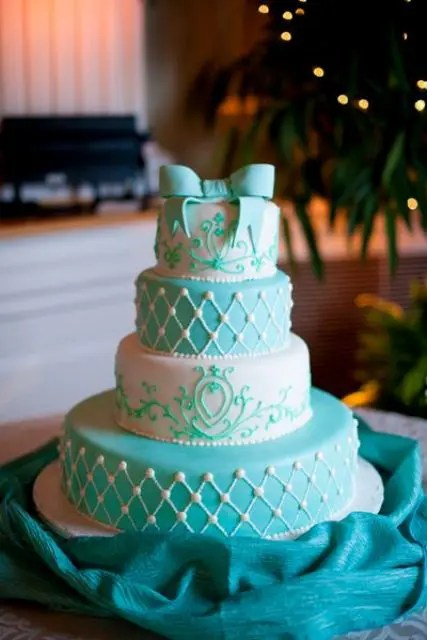 41 Adorable Winter Wedding Cake Ideas