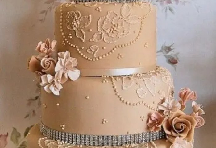30 Chic Vintage Style Wedding Cakes With An Old World Feel