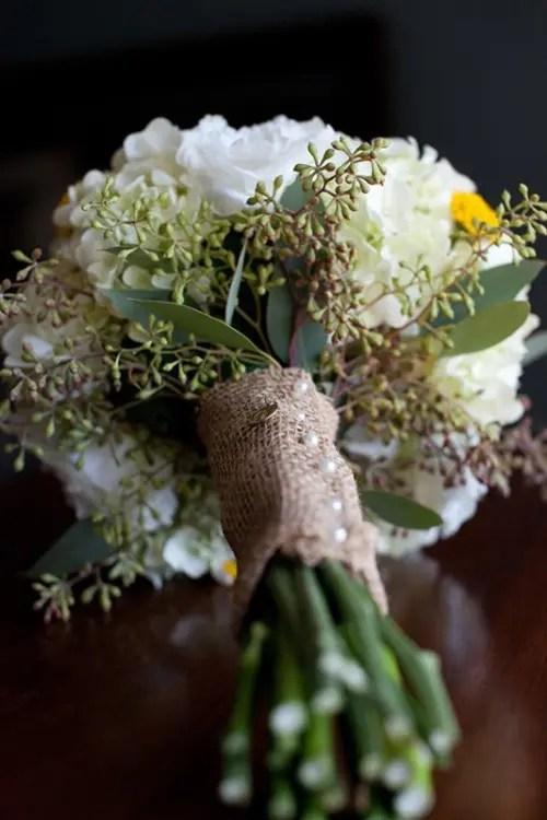35 Gorgeous Wedding Bouquet Wraps Holders And Handles Ideas Weddingomania