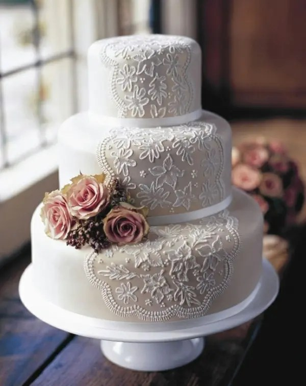 40 Lace Wedding Cake Ideas   Weddingomania Lace Wedding Cake Ideas