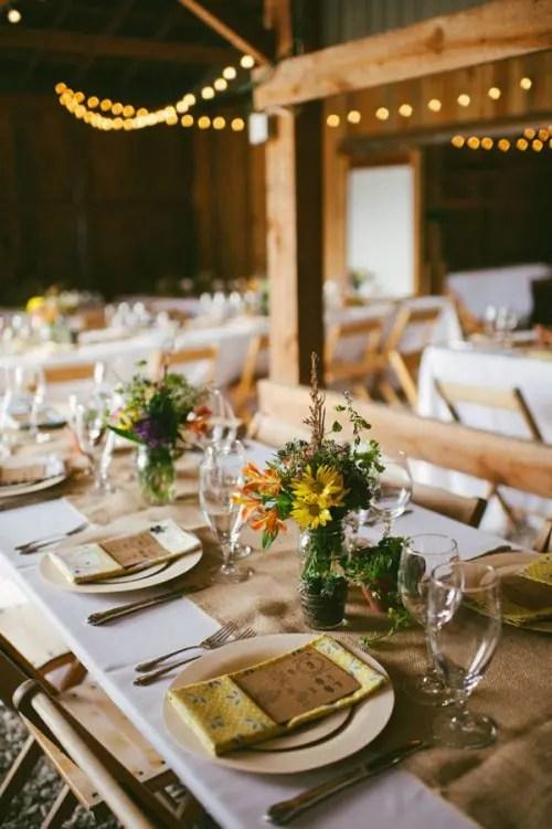 44 Beautiful Barn Wedding Table Settings Weddingomania