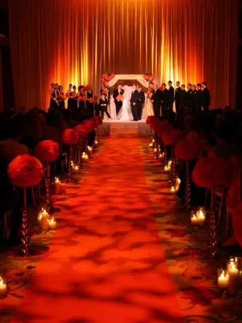 35 Inspiring And Dramatic Vampire Wedding Ideas