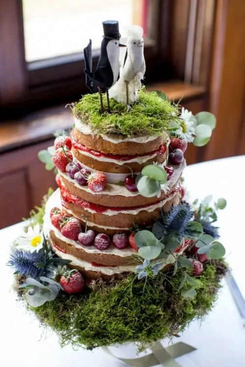 35 Unique Woodland Wedding Cakes To Get Inspired