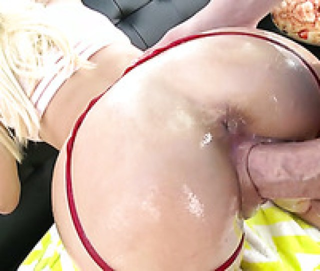 Too Soulful Busty Blondie Naomi Woods Gets Her Meaty Pussy Stretched Well