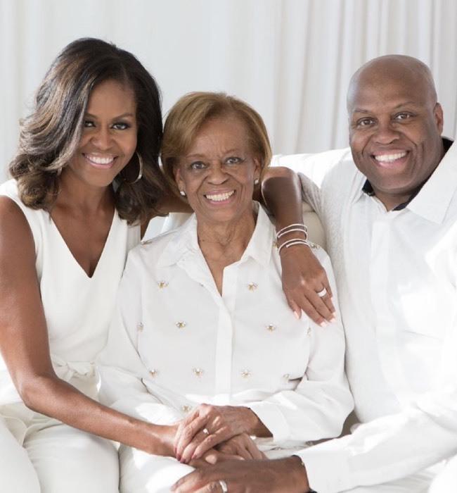 Primele imagini ale lui Michelle Obama cu mama și fratele ei. Ce relație are fosta Prima Doamnă cu familia ei