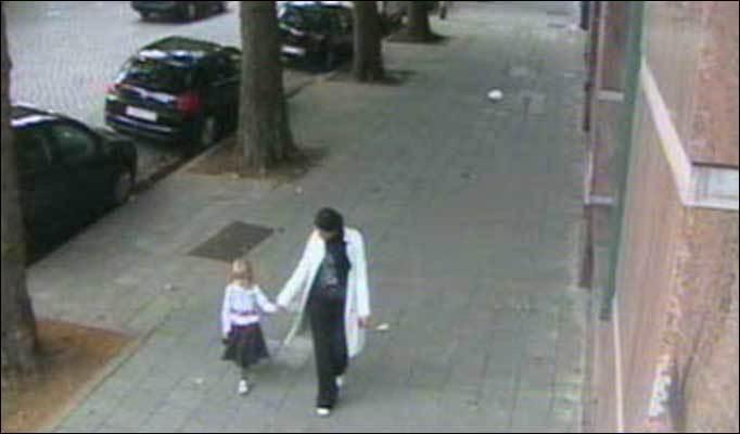 Un martor susţine că a văzut-o pe Madeleine McCann, care a dispărut în 2007 dintr-o cameră de hotel