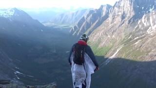 Wingsuit in Norway - Trollstigen