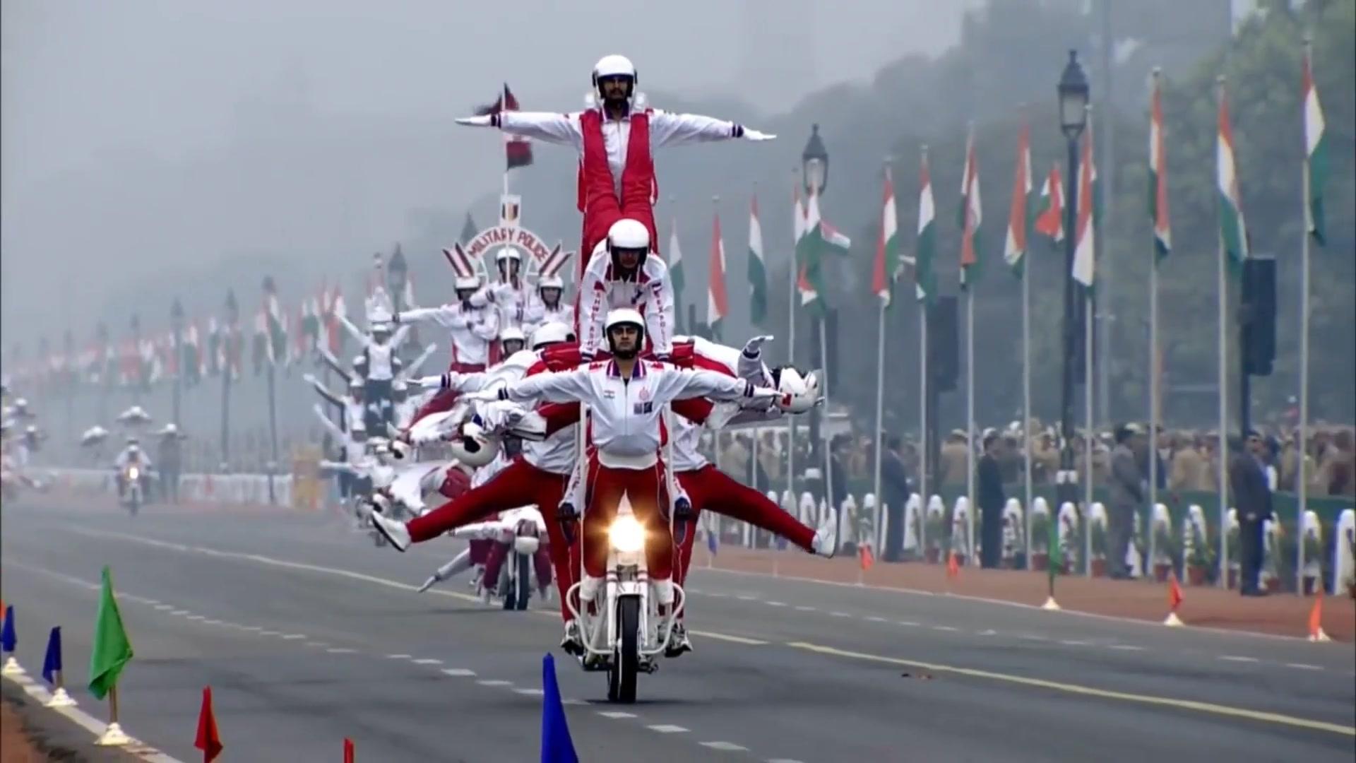 【东北玩泥巴】印度阅兵摩托军 马戏杂技无敌啦 哔哩哔哩 ゜ ゜ つロ 干杯 Bilibili