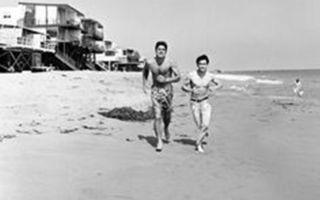 李小龙与范威廉姆斯_在海滩游玩,锻炼身体