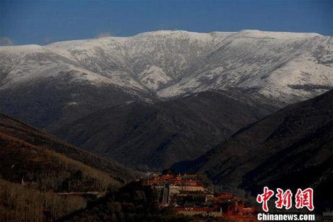 山西五臺山氣溫降至零下5℃ 臺頂積雪 五臺山 積雪 臺頂_新浪天氣預報