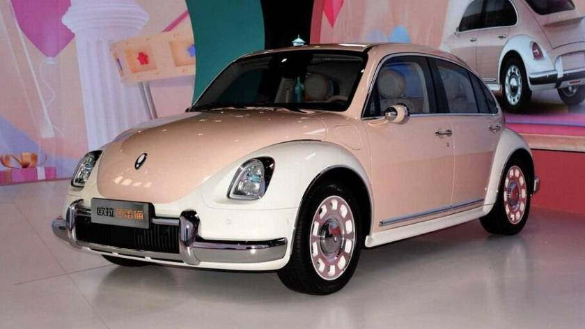 Ballet Cat is the unusual copy of the Volkswagen Beetle produced by Ora, a subbrand of Great Wall Motors