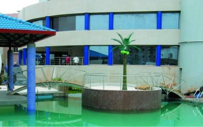 Hotel Radisson Blu foi palco de terror na manhã desta sexta-feira após terroristas invadirem o local