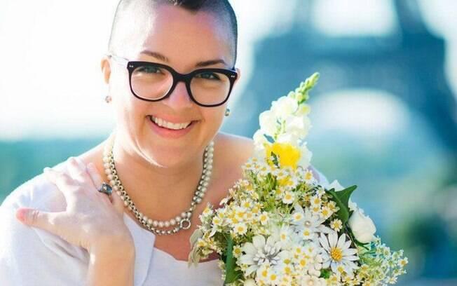 A mulher gastou cerca de R$ 25 mil para se casar consigo mesma