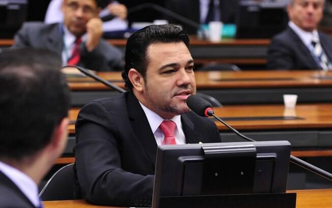 Ex-presidente da Comissão de Direitos Humanos da Câmara diz ser alvo de ataques e promete provar inocência