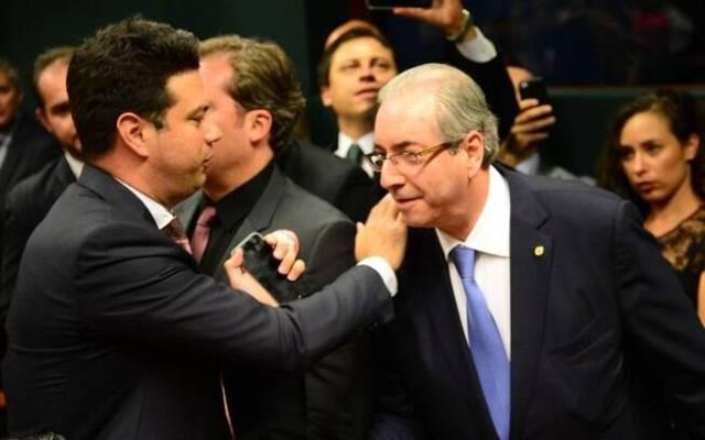 A reeleição do deputado Picciani para liderar a bancada do PMDB representa vitória para Dilma