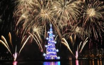 No Rio de Janeiro, a árvore de Natal fica na Lagoa Rodrigo de Freitas