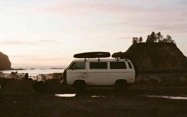 Viaje sem rumo. Foster Huntington abandonou o emprego e foi viver em sua van, viajando pelo oeste dos Estados Unidos. Foto: Reprodução