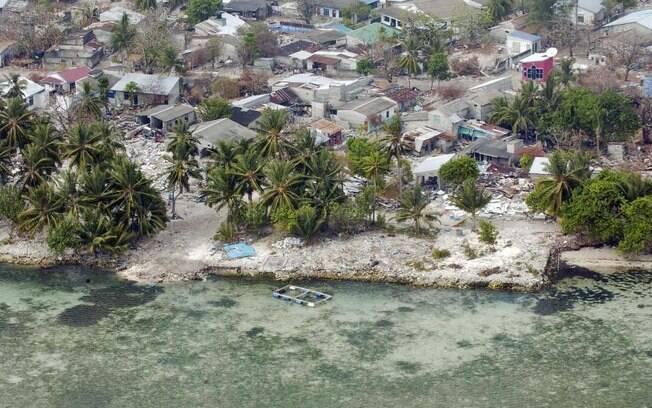 Indonésia foi fortemente atingida por um tsunami em 2004, após  terremoto de 9,1 graus
