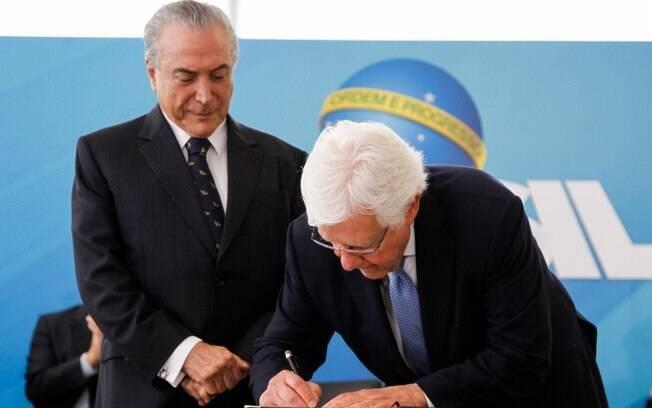 Presidente Michel Temer dá posse ao ministro da Secretaria-Geral da Presidência da República,  Moreira Franco
