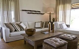 A mesa de centro de madeira é a aposta certa para um ambiente com estilo rústico