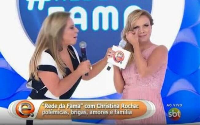 Christina Rocha deixa Eliana sem graça