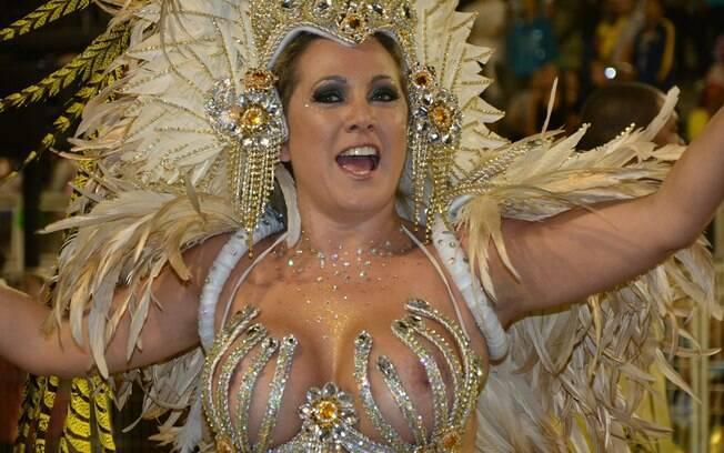 Danni Prudente, musa da Imperador do Ipiranga, deixa parte do seio à mostra em São Paulo. Foto: Paulo Pinto/LIGASP/Fotos Públicas