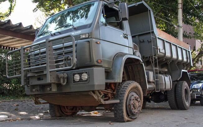 Um caminhão do Exército foi apreeendido com um carregamento de cerca de três toneladas de maconha