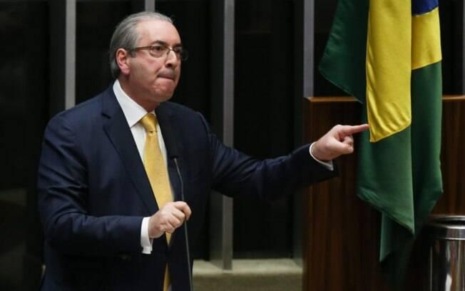 Cunha é acusado de receber propinas e enviar recursos ilegalmente ao Exterior; ele será julgado pelo juiz Sérgio Moro