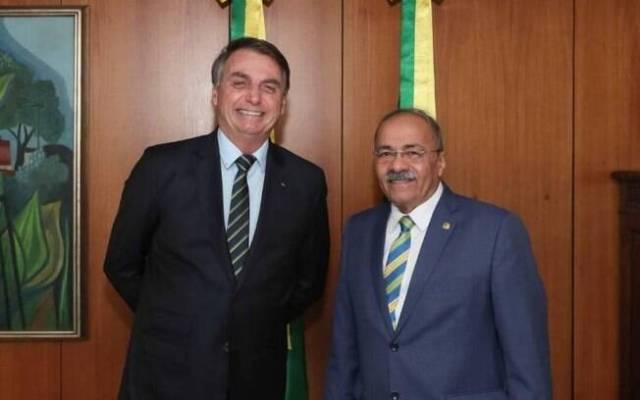 Presidente Jair Bolsonaro e Chico Rodrigues, que foi destituído hoje (15) do cargo de vice-líder do governo no Senado.
