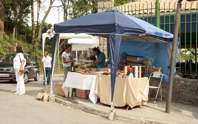 Moradores aproveitam o grande movimento do bairro. Foto: Selmy Yassuda