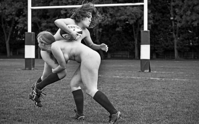 Jogadoras do time de rúgbi da universidade de Oxford posaram nuas para calendário