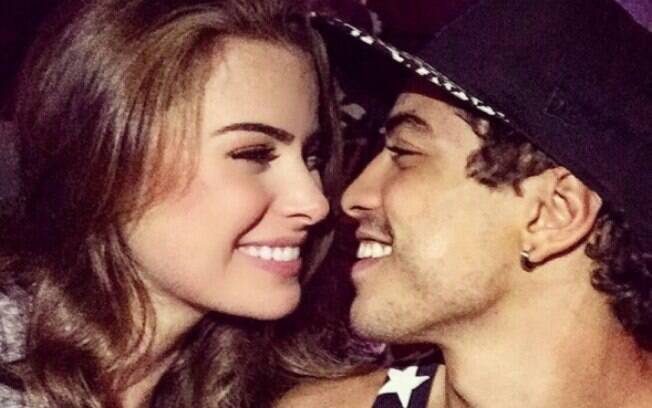 Rayanne Morais vive romance com Douglas Sampaio