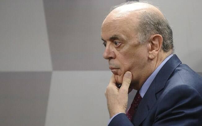 Jornal aponta que o ministro das Relações Exteriores, José Serra, teria recebido da Odebrecht R$ 23 milhões via caixa dois
