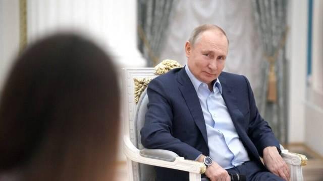 Putin faz 'ameaça' a jornalista vencedor do Nobel da Paz