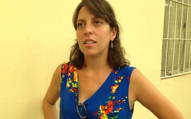 A professora Maíra Rodrigues: ao menos por ora, apenas R$ 400 para manter seu sustento