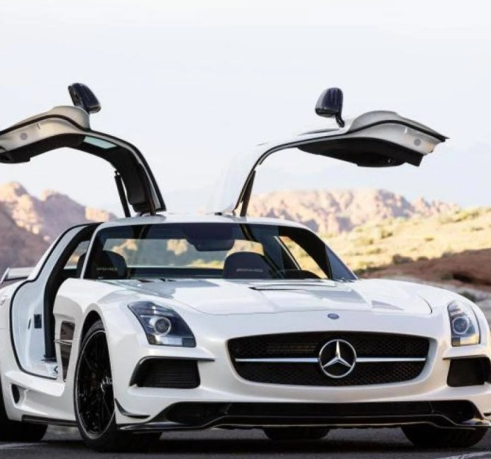 Mercedes SLS. Foto: Reprodução/Internet
