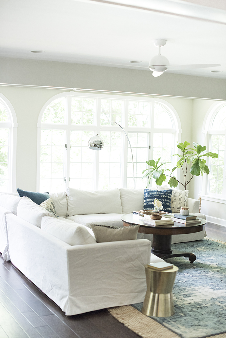 how we choose white slipcovered sofas