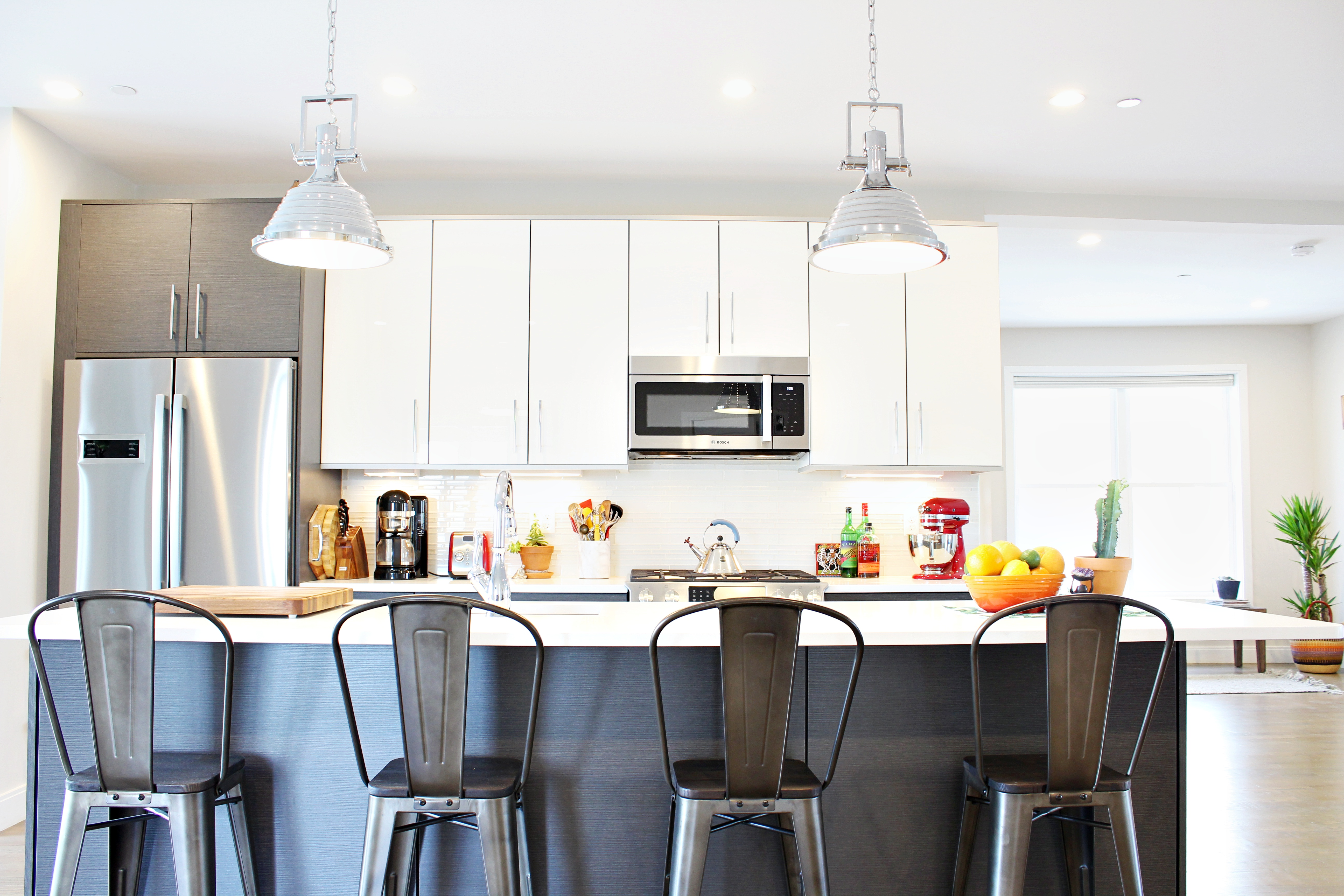 Finding The Right Bar Stools For Your Kitchen Island Space Habit