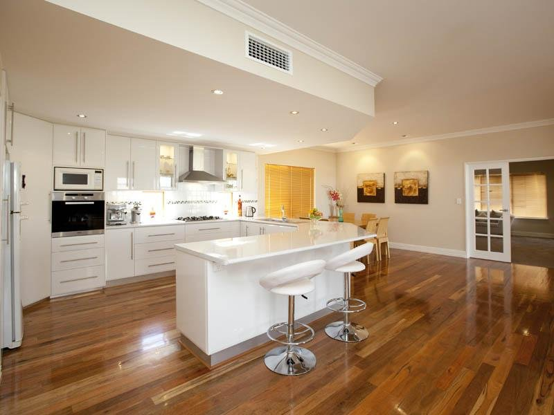Classic Open Plan Kitchen Design Using Hardwood