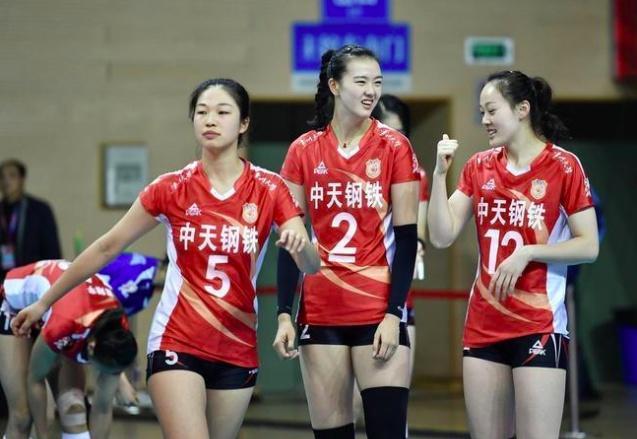 新1屆中國女排名單公布 朱婷領銜8世界冠軍在列孫海平等5新人入選 - 每日頭條