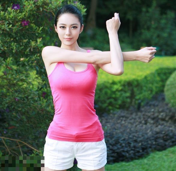 中國第一黃金比例美女私照 完美身材比例出爐 - 每日頭條