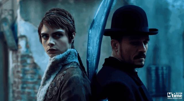 奧蘭多布魯姆亮相「狂歡命案」首映禮 新劇將與卡拉迪瓦伊上演激情戲 8.30首播 - 每日頭條