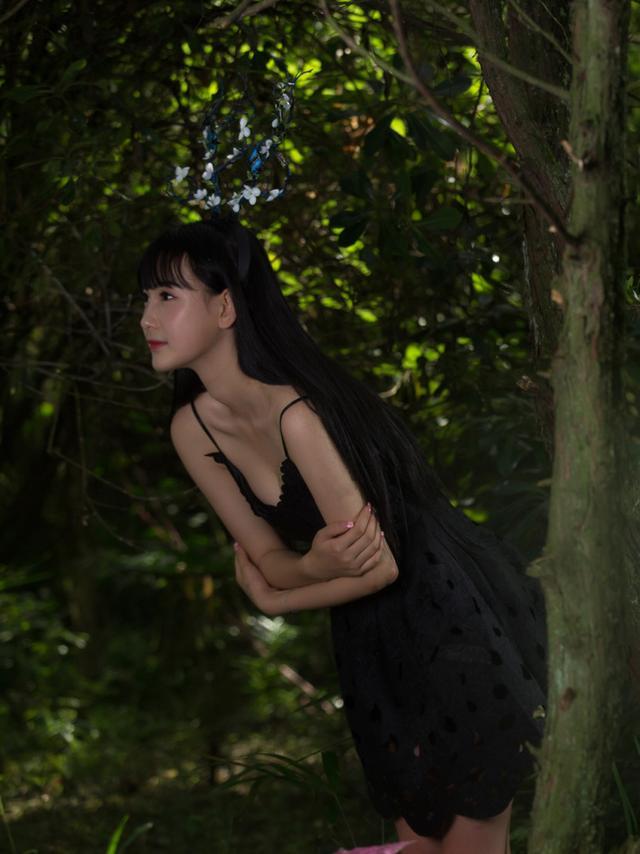 北京外國語大學的校花拍攝的一組《美女與叢林》 - 每日頭條