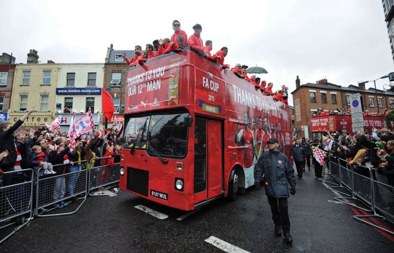 The Arsenal team on the bus